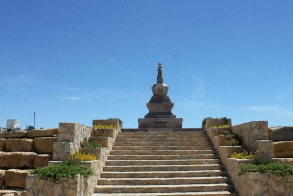 Tibet to Loule... free your mind  Stupa...Salir, Loule - All Local Tours